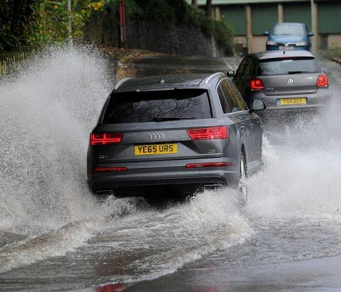 General Safety Tips for Driving in Heavy Rain and Flood Conditions